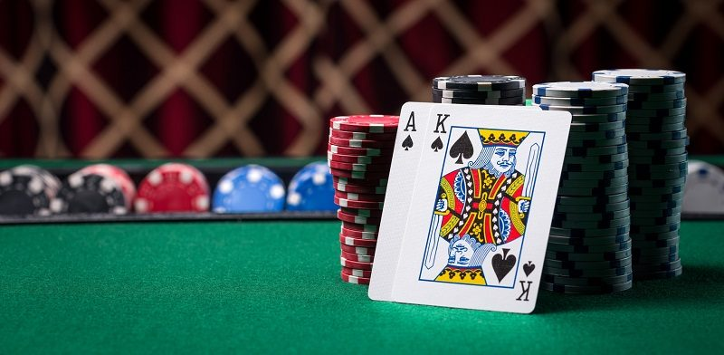 Why is online poker liked by all the age groups?